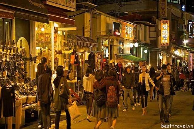 Hình 10 - Hongdae là trung tâm mua sắm, ăn uống, vui chơi, giải trí