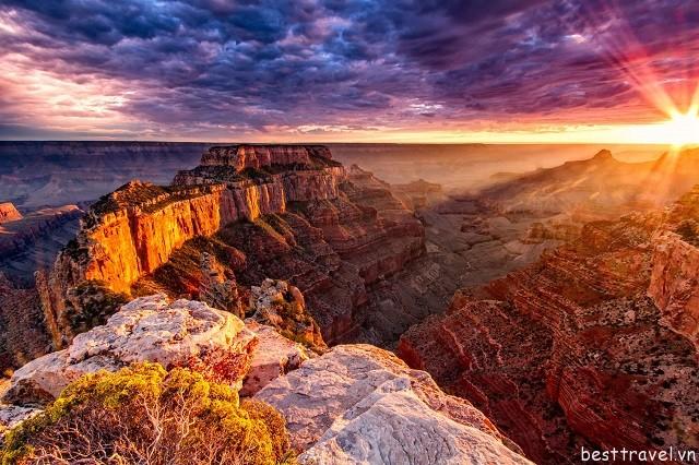 Hình 2 - Hẻm đá Grand Canyon kỳ bí