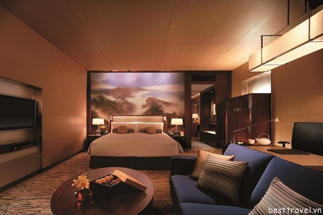 Hình 4 - Khách sạn này tọa lạc tại tầng 64-80 của tòa nhà 81 tầng ở Bắc Kinh