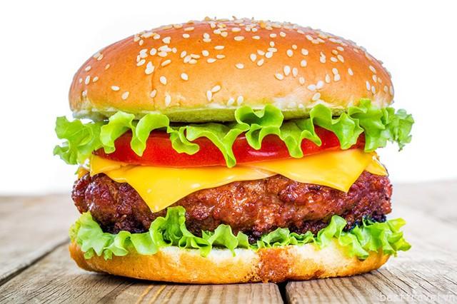 Hình 5 – Một chiếc Hamburger hấp dẫn ở Mỹ