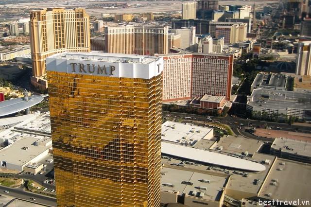 Hình 7 - Khách sạn Trump International Hotel là một trong những khách sạn lớn của thành phố New York