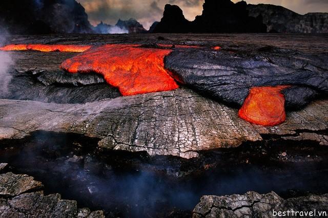 Hình 8 - Kilauea, một trong số các ngọn núi lửa nguy hiểm nhất thế giới