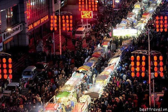 Hình 9 – Chợ đêm Shenyang luôn nhộn nhịp