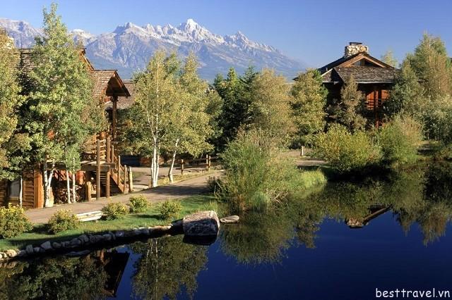 Hình 9 - Khách sạn Spring Creek Ranch - Jackson Hole có nhiều cảnh quan tuyệt đẹp