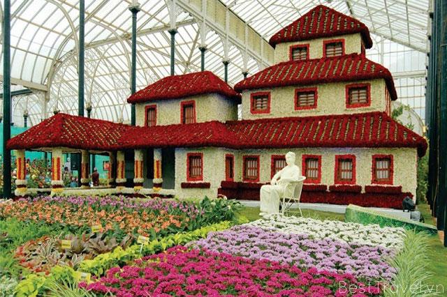 Khu vườn đỏ nổi bật của Bangalore