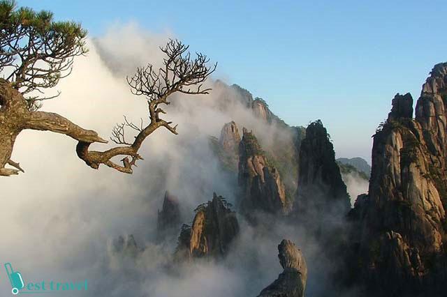 Núi Hoàng Sơn với vẻ đẹp huyền ảo, thoát tục