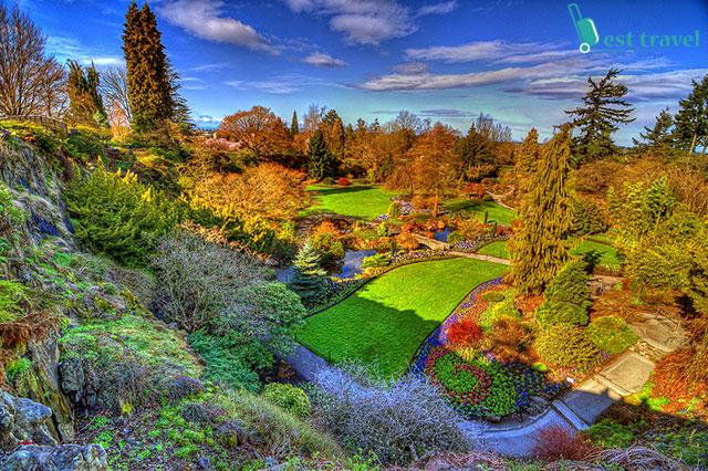 Thiên nhiên đầy sắc màu trong công viên Queen Elizabeth