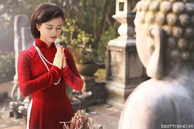 Đi chùa lễ phật ngày mùng 1 – nét văn hóa truyền thống của người dân xứ Huế