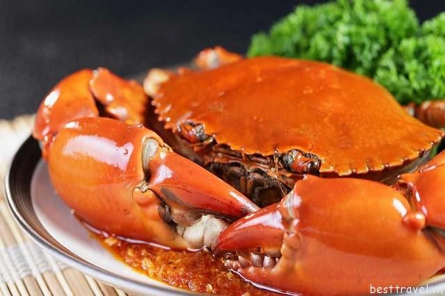 Cơm gà Hải Nam là món ăn nổi tiếng nhất ở Singapore