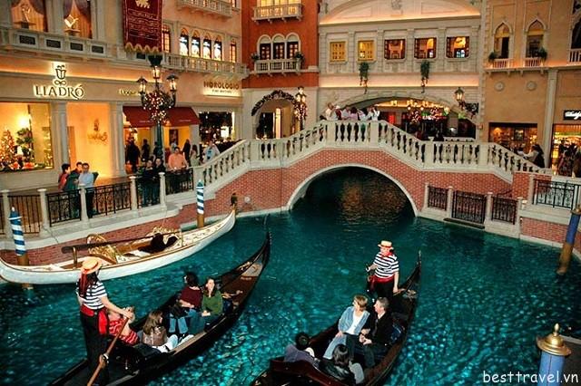 Trung tâm thương mại The Grand Canal Shoppes