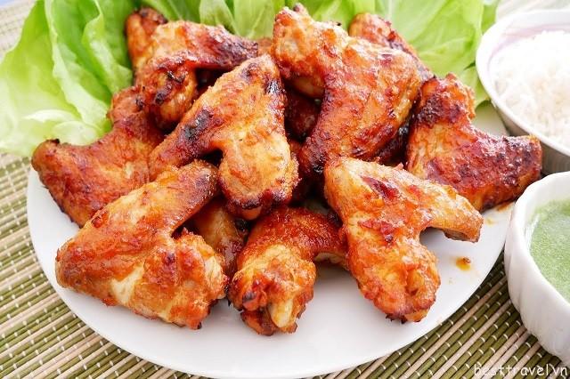 Thịt gà nướng là một trong những món ăn trứ danh của nhà hàng Scaramouche