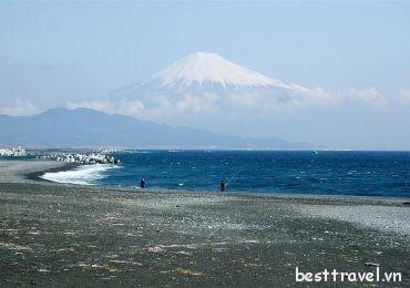 Tìm kiếm 6 bãi biển đẹp nhất Nhật Bản