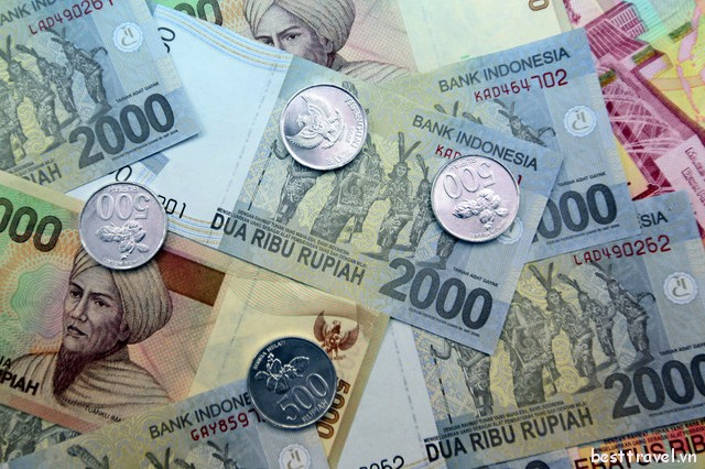 Học cách đổi tiền an toàn khi du lịch Indonesia